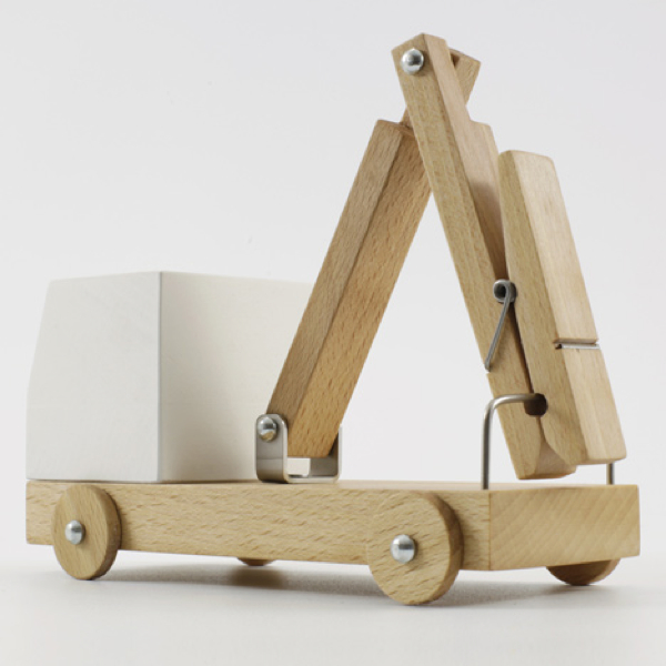 dezeen_Poor-Toys-by-Poorex_sq_1